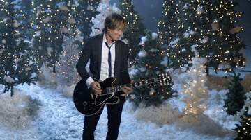 Lindsey Marie - WATCH: Keith Urban's I'll Be Your Santa Tonight