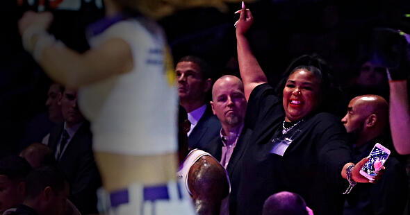 Lizzo Appears Courtside at Lakers Wearing Dress Revealing Her Butt Cheeks