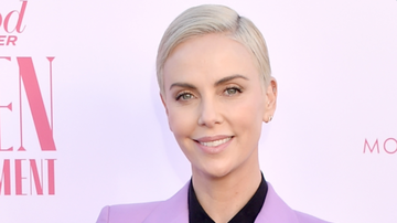The Good, the Bad and the Gossip - Charlize Theron Accidentally Flashes Everyone While Celebrating Nomination
