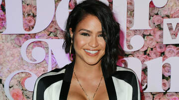Trending - Cassie Shares First Photo Of Newborn Daughter Frankie Stone Fine
