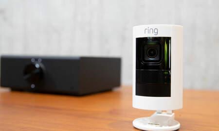 National News - Man Hacks Ring Camera Telling 8-Year-Old I'm Santa Claus