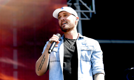 Music News - Brett Young Shares Adorable New Photo Of His Baby Girl, Presley