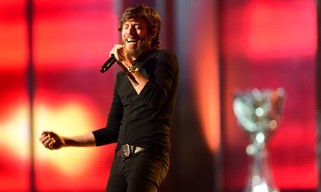 Music News - Chris Janson Takes On The Upbeat Holiday Classic 'Run, Run Rudolph'
