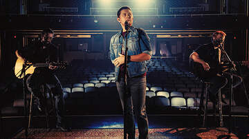 Headlines - Scotty McCreery Debuts 'This Is It (Acoustic)' Music Video