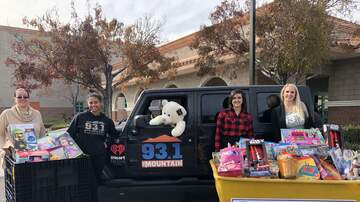 Buzzing Vegas - Mountain Of Toys: Toy Drop-off At Catholic Charities Of Southern Nevada