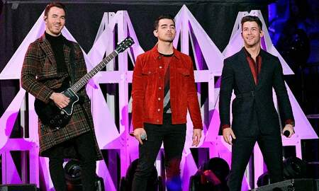 Trending - Jonas Brothers Perform At Jingle Ball For The First Time In 12 Years
