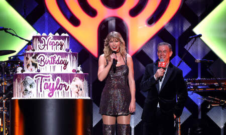 Trending - Taylor Swift's Purr-fect Birthday Cake At Jingle Ball Featured Her Cats