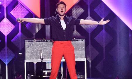 Trending - Niall Horan Leads Sexy Dance Party At 2019 iHeartRadio Jingle Ball