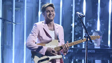 iHeartRadio Music News - Niall Horan Delivers Heart-Melting Performances For Solo 'SNL' Debut