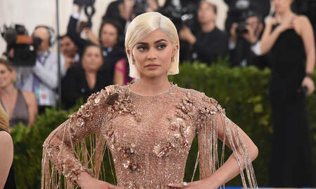 Trending - Kylie Jenner and Stormi Show Off Christmas Decorated Calabasas Home