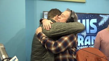 Elvis Duran - Watch Straight Nate Greet The Show For The First Time Since Health Scare