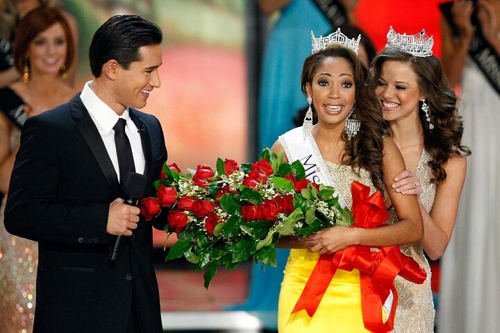Mario Lopez Kit Hoover To Co Host Miss America 2020 This