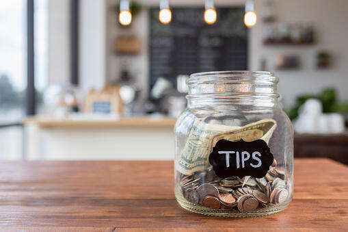 The Pros and Cons of Leaving a Tip | NewsRadio 740 KTRH