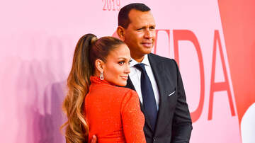 Holidays - Jennifer Lopez & Alex Rodriguez Ditch The Mistletoe For Cute Christmas Kiss