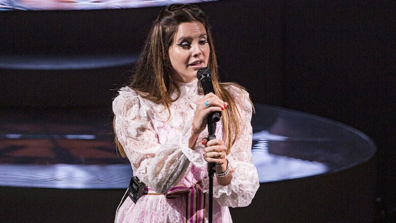 Lana Del Rey asks for help after her family's memories are stolen