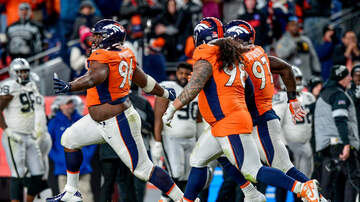 Denver Broncos - Broncos Hang On, Close Season With 16-15 Win Over Raiders