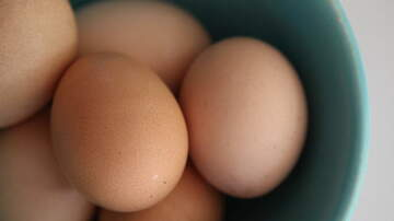 Manny's - Its the Amazing Hard Boiled Egg Hack That Has Everyone Talking