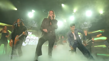 Maria Milito - Foo Fighters' Taylor Hawkins Brings Out Perry Ferrel, Dave Grohl On Kimmel
