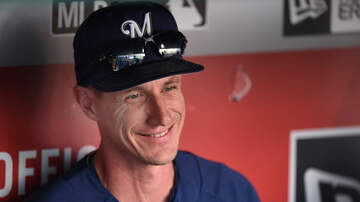 Brewers - Brewers sign Craig Counsell to contract extension through 2023