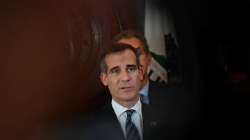 John and Ken - President Trump and Mayor Garcetti May Be Working Out A Homelessness Deal