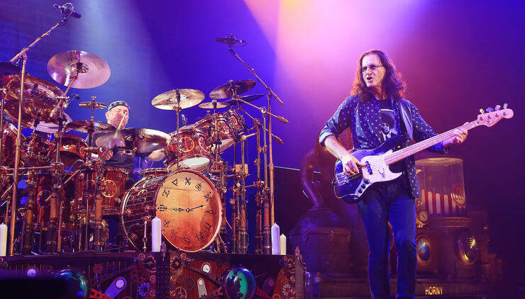 "RUSH's Geddy Lee Addresses The Passing Of His ""Brother"" Neil Peart 