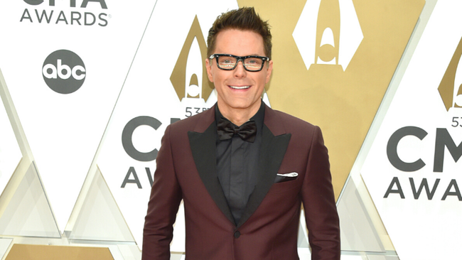 Watch Bobby Bones On 'Running Wild With Bear Grylls' Tomorrow
