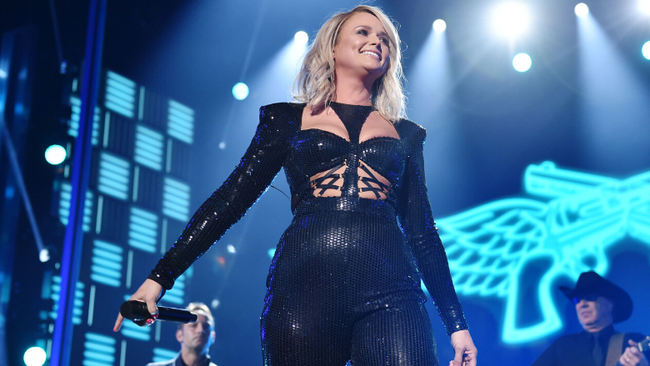 Miranda Lambert To Celebrate First Responders On Upcoming 'Wildcard Tour'