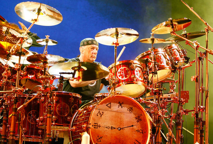 "Rock Legends Pay Tribute To RUSH's ""Hero"" Drummer Neil Peart 