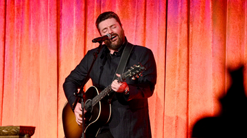 Headlines - Chris Young Announces 2020 Town Ain't Big Enough Tour With Scotty McCreery