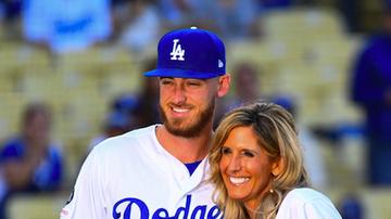 Ryan Seacrest - Cody Bellinger's Mom Jennifer Reacts to Astros Cheating Scandal: Listen