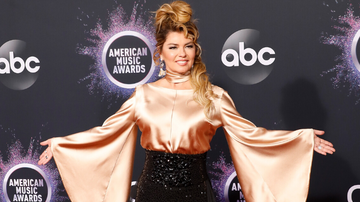 iHeartCountry - Shania Twain Approves Of This Brad Pitt 'That Don't Impress Me Much' Joke