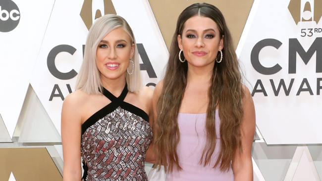 Maddie & Tae Announce Headlining 'Tourist In This Town Tour'