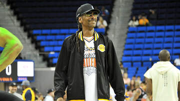 Jesse Lozano - Snoop Dogg Teams Up With Dunkin' For New Meatless D-O-Double-G Sandwich