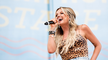 Headlines - Carly Pearce Shares The First Song She Wrote About Husband Michael Ray