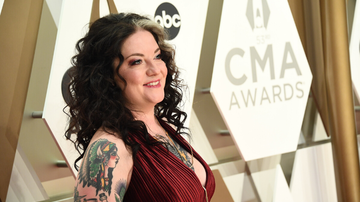Headlines - Ashley McBryde Announces New Album 'Never Will'