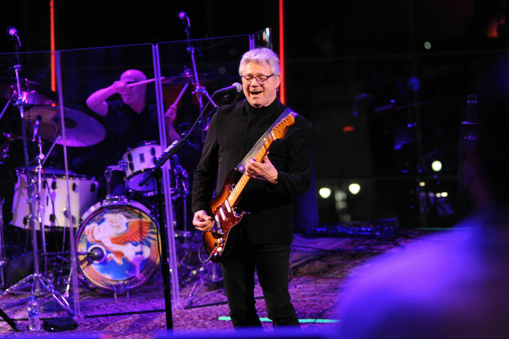 Songwriters Hall of Fame Inducting Steve Miller & The Eurythmics   Bill George   B101
