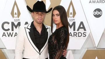 Music News - Dustin Lynch Opens Up About His Relationship With Girlfriend Kelli Seymour