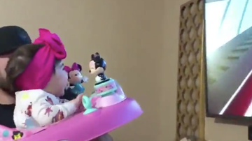 Chuck Dizzle - Father Simulates A Roller Coaster Ride For His Baby Daughter