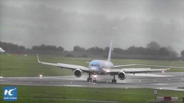 Hitman - Pilot Lands the Plane Sideways!