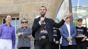 Big 95 Morning Show with Dewayne Wells - Ringo Starr will guest on Graham Gouldman's new album