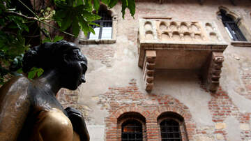 Valentine In The Morning - You Can Stay At The Romeo And Juliet Townhouse On Valentine's Day!