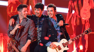 Brady - The Jonas Brothers Appear On Ellen