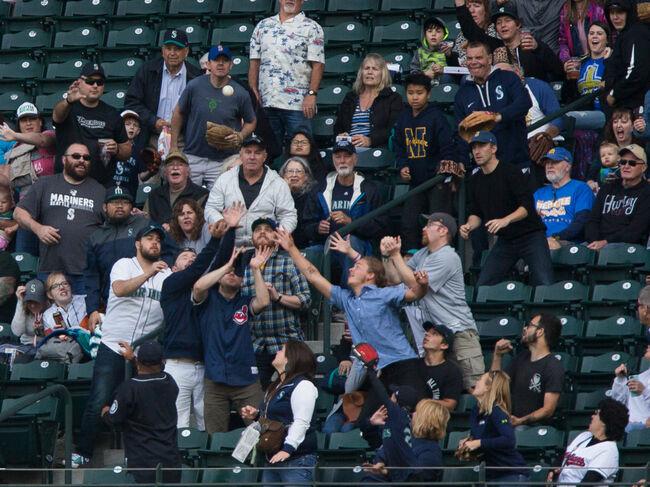 Cleveland Indians v Seattle Mariners