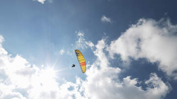 Otis - Paraglider Takes A Leap Off Of Stone Moutain