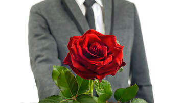 iHeartRadio Podcasts - Will You Accept This Rose Dishes About First Episode Of The Bachelor