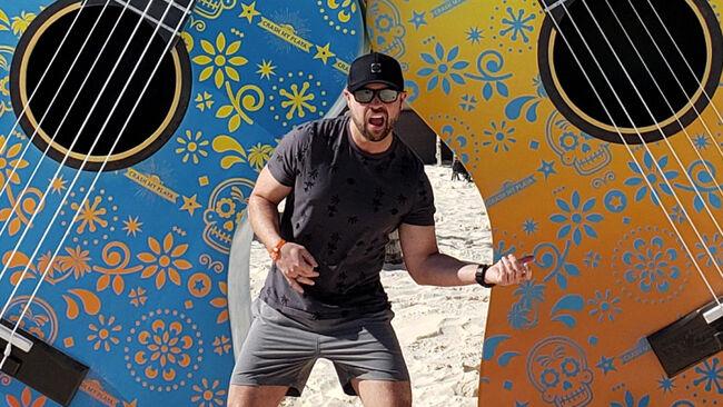 14 Pics From Luke Bryan's Crash My Playa [Dia Uno]
