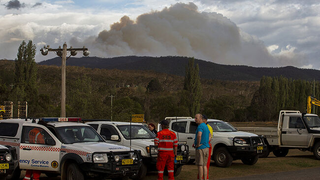 Three Dead After Air Tanker Crashes Fighting Fires Near Snowy Mountains