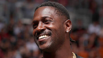 Sports Top Stories - Florida Cops Issue Arrest Warrant For Antonio Brown