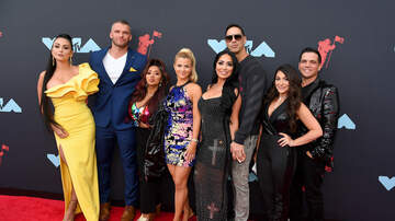 Gavin - A New Trailer Just Dropped For 'Jersey Shore' Family Vacation