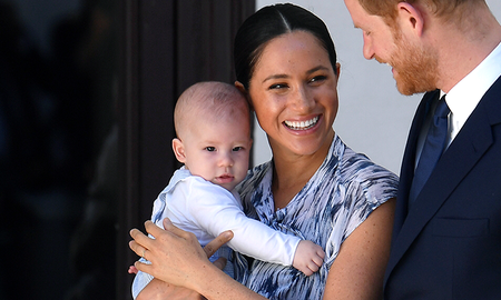 Entertainment News - Meghan Markle Mom-Shamed For How She Held Archie During Canadian Hike